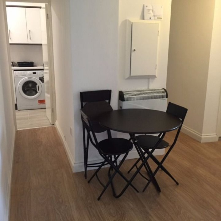 NEW DOUBLE ROOM JUST IN FRONT QUEEN MARY UNIVERSITY, STEPNEY GREEN ZONE 2 video thumbnail