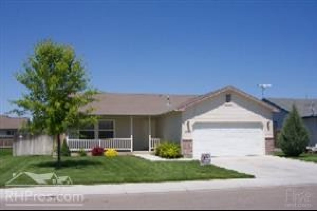 Charming three bedroom home in Nampa! video thumbnail