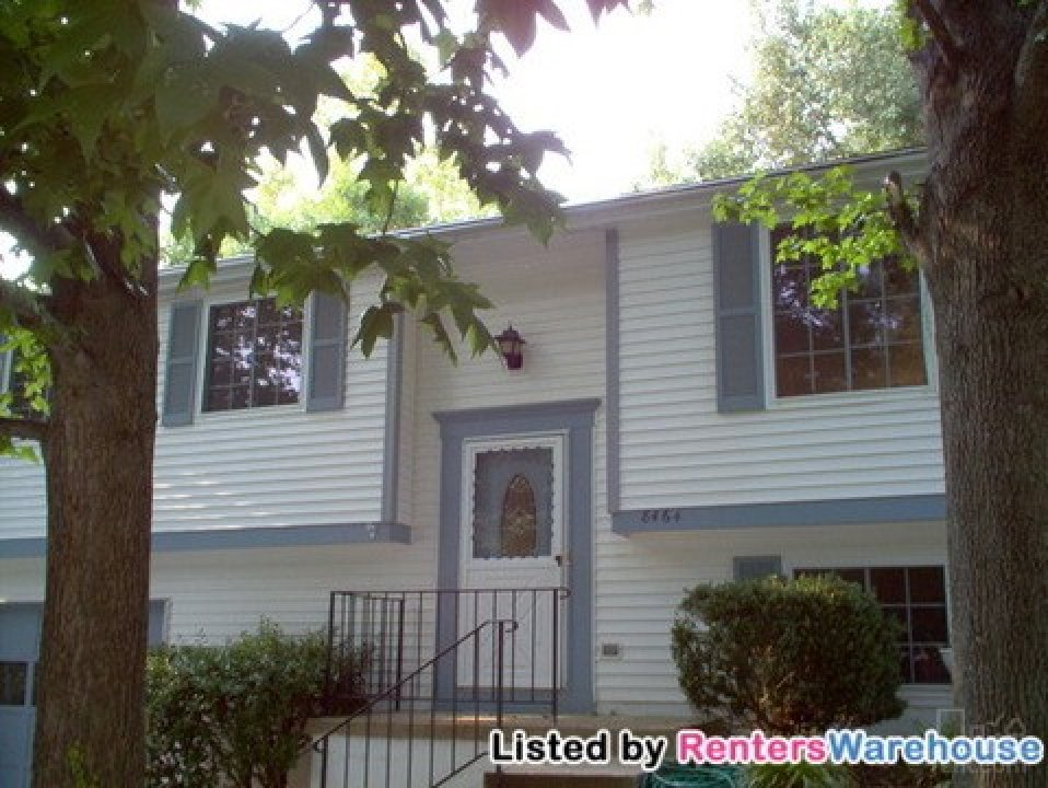***Charming, Private 3bd/2bth Home on... video thumbnail