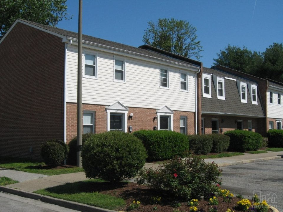 Hodges Ferry East Townhomes video thumbnail